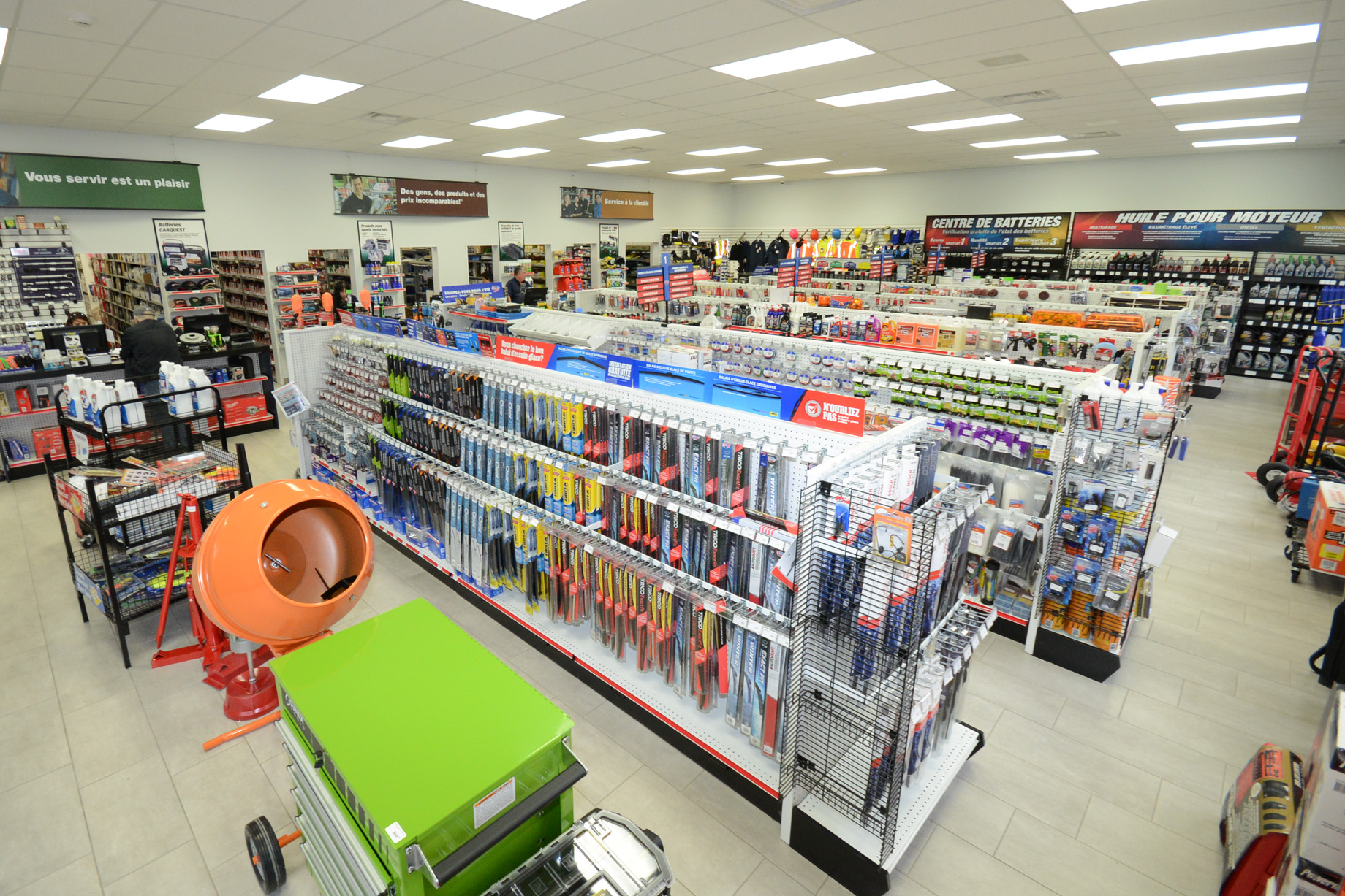 Grand magasin moderne, Carquest Mont-Joli